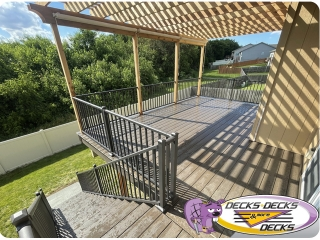 Pergola-with-screens-Omaha-deck-project