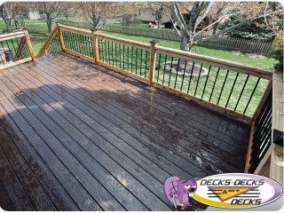 Composite and Cedar mixed deck